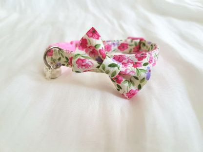 Handmade cotton Floral Cat Kitten Safety collar with Optional bow