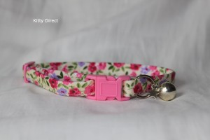 Handmade cotton flower kitten and cat collar