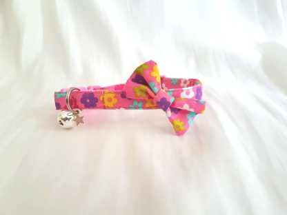 Pink Daisy flower kitten and cat collar with bow