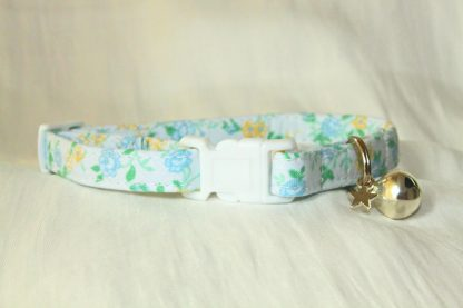Blue Cotton Flower Cat Kitten Safety Collar_1